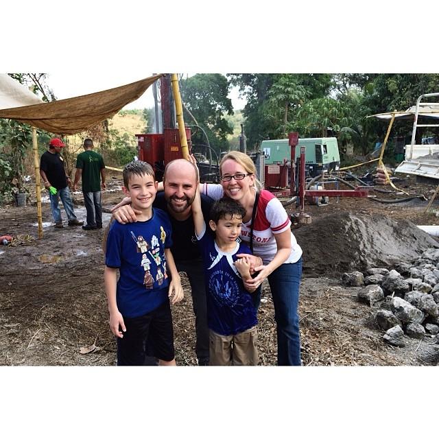 family_photo_in_el_savador